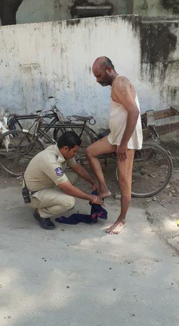 By Mohan Naik, Constable of Madannapet Police Station... #LockDown #StayHome #BeSafe #CoronaVirusLockdown #BreakTheChain #HyderabadCityPolice #TelanganaPolice
