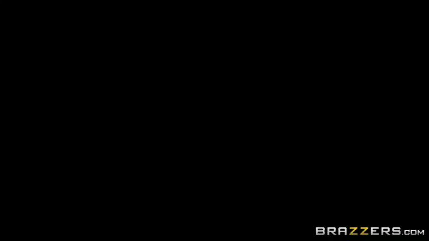 Coming soon @brandi_love @HollyHotwife @Brazzers #RealWifeStories #CreampieMyWife 💞 #naughtygirls damn! so fucking hot 😍