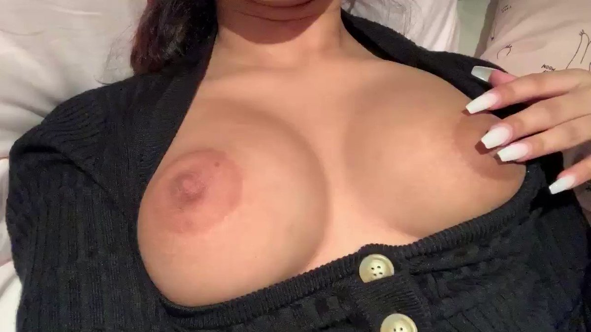 @MissBNasty peek a boobs ☺️