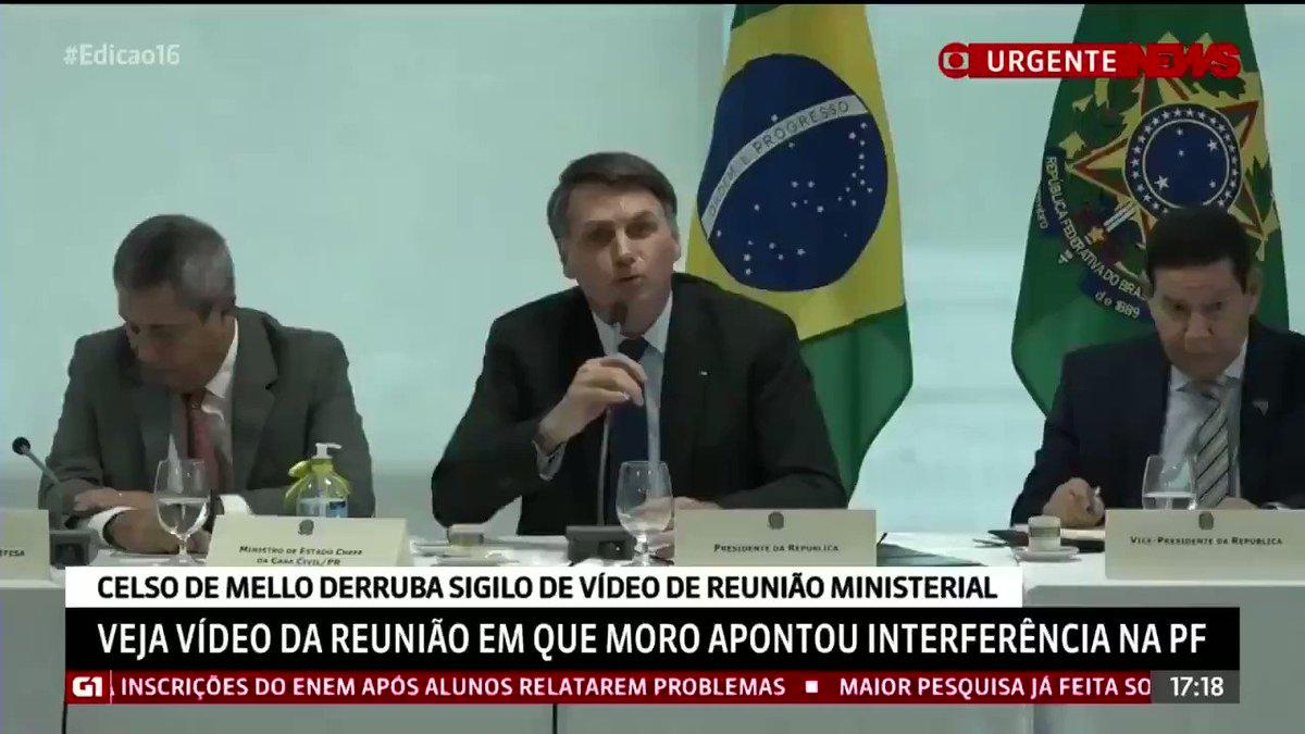 Como lutamos para ter de volta no Brasil o Direito à Legítima Defesa , que o lulismo roubou de nossas Famílias , agora temos um Presidente de Verdade que respeita este direito fundamental a VIDA . Brasil acima de tudo , Deus acima de todos  🇧🇷