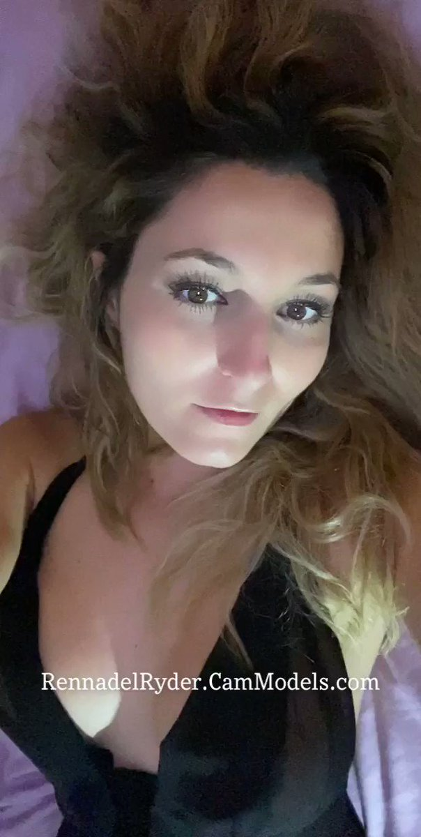 #ONLINE💙 Cum Play🍆💦👅 #RT  💻  🌀  ✨4 GOLD to Show #FEET👣  ✨8G to #SPANK👏  ✨10G to #TWERK🍑  ✨16G for Dirty Talk😈  ✨18G to Flash #TITS🙈  ✨20G for #BLOWJOB Tease🍆  @StreamateEurope @LiveOnTheStream @StreamateLadies @streamatecams @CamAngelsXXX