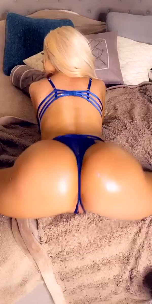 I just posted the full video on my VIP PAGE & If you're a member of my free page go check your inbox right now 😜 don't miss watching me twerk all over his 🍆 until he 💦 all over my 🍑 go watch now VIP page:  Free page:  Enjoy ❤️