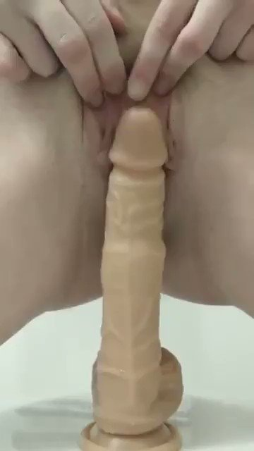 OMG ! This Thrusting and rotating dildo vibrator will make any girl cum 💦  Get From Here ⏩