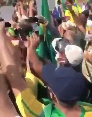 """Sabe aquela """"bala de prata"""" que um bando de PNC falou durante quase toda a semana? Pois é... Eis o resultado.  É o Brasil cada dia mais #FechadoComBolsonaro  #BolsonaroTrabalhaPeloPovo  #BolsonaroReeleito"""