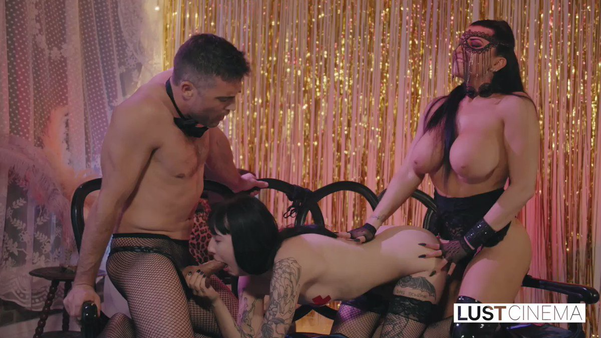 Check out the rest of this sexy threesome on the second episode of 'A Burlesque Story' by @MsKayBrandt at  😈 Ft. @lancehartfetish @romi_rain @gothcharlotte   #aburlesquestory #lustcinema