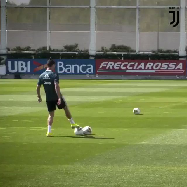 Too smooth 🤤 @Cristiano  🎥 @juventusfc