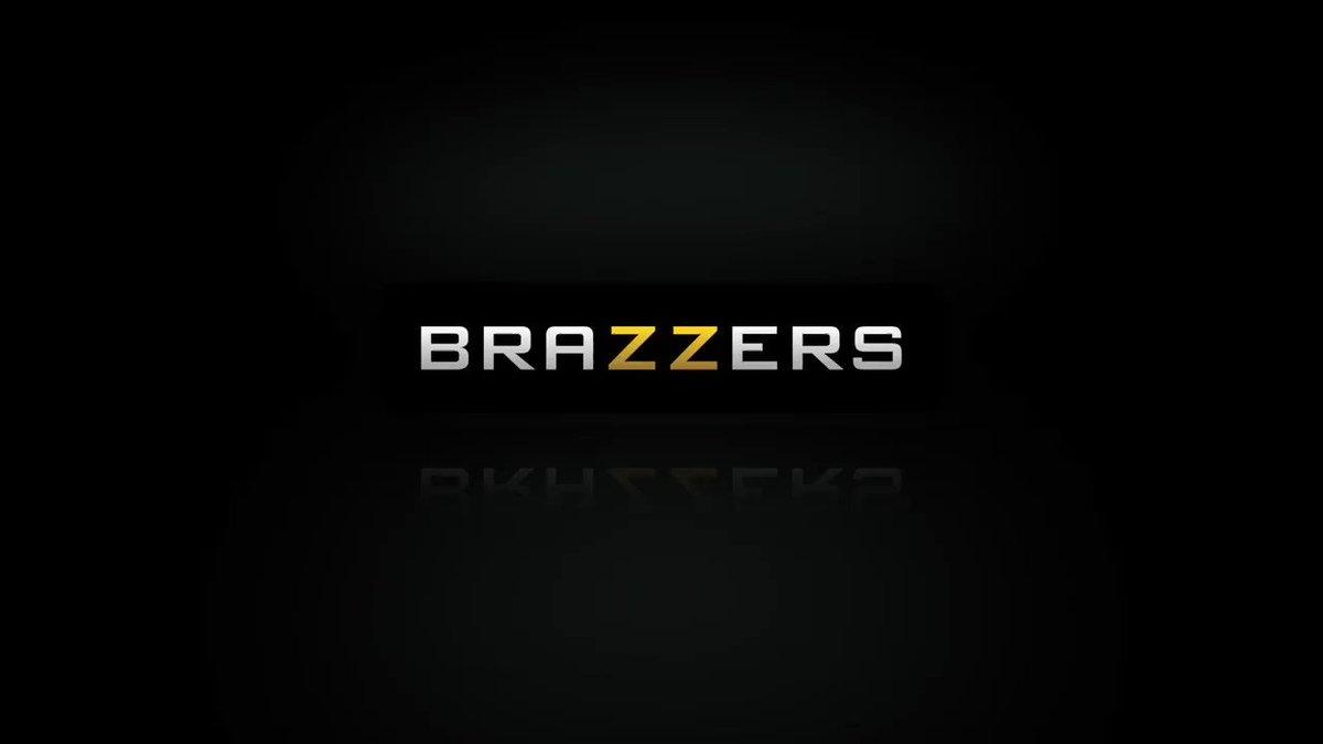 GOD DAMN!!! so fuckin' sexy blonde anal hottie @thekenzietaylor 😈😍🍑🤤🔥 with @sethgamblexxx #ComingSoon @Brazzers ''Kenzie Chooses Dick Over Dishes'' 💯💯💯