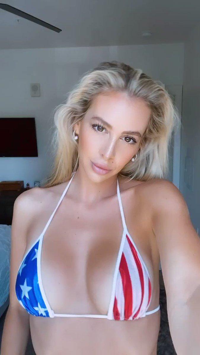 Going live! Bikini stream ❤️💋