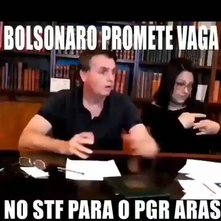 """ESCANDALOSO! Bolsonaro barganha vaga no STF para o PGR responsável pelas denúncias contra ele. Só faltou falar: """"Me absolve que eu te indico"""". Vergonha!"""