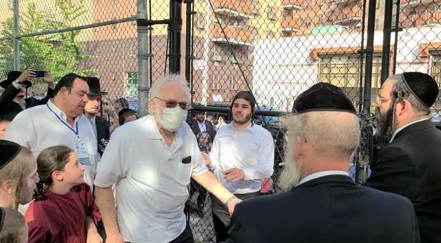 The Jewish community in Brooklyn is fighting back against @BilldeBlasio's discrimination!   Their message to @BilldeBlasio: If you won't open our parks we will!