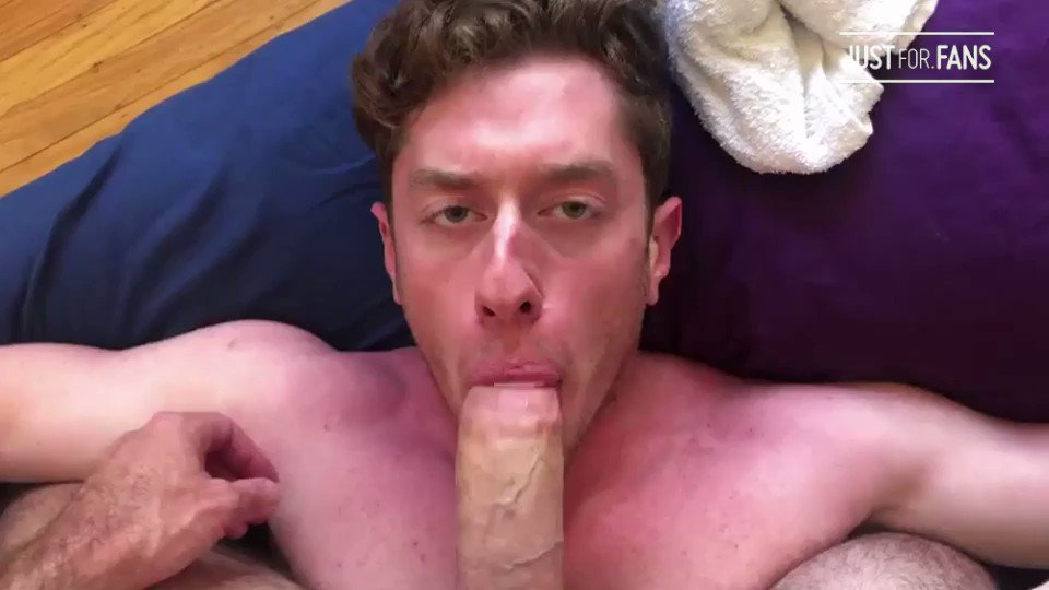 Hungry stud @JakeKlerin sucking @thatzaddyzick's huge meat 🤤🤤🤤 👉🏻  &  #gaysex #gayporn