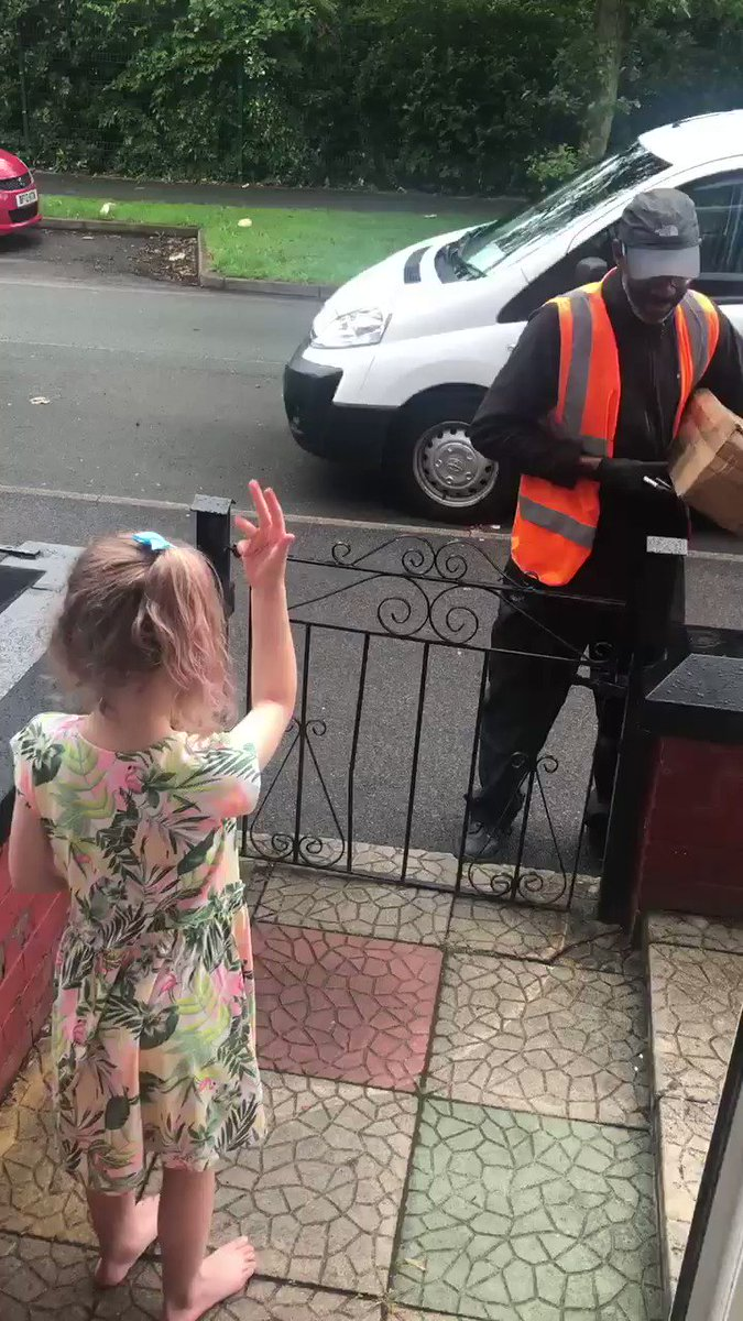 She learned to sign so she could speak to the deaf mailman. ❤️