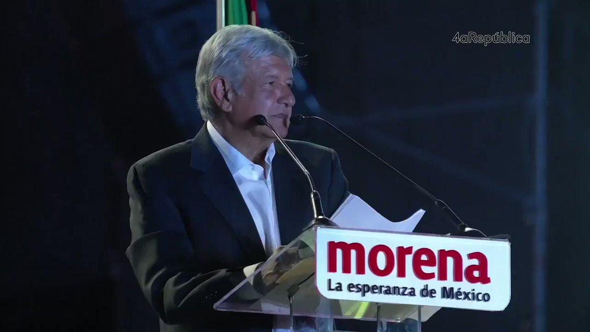 """Siempre puse mi cámara al frente y toda mi atención para algún día escuchar esto: """"Quiero ser un buen presidente de México""""... ¡Lo eres @lopezobrador_ ! y en este camino hemos marchado #JUNTOS Nos vemos hoy desde la tarde con @_VicenteSerrano en #SinCensura."""