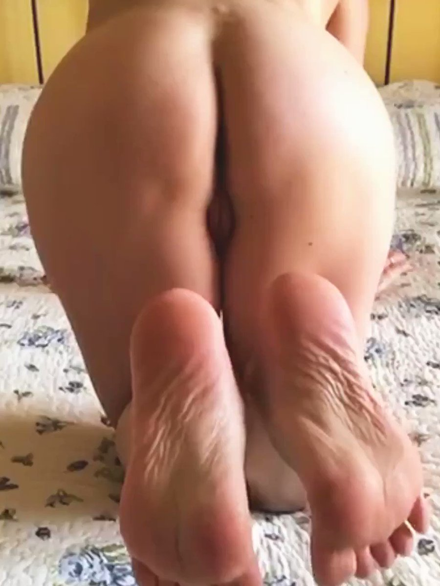 👑Cum on my taste soles👑#feet #toes #fetish #tits #heels #soles #ass #anal #nips @BritFootBabes @Coach0302 @UKPrettyFeet @RT4AG @Feet_Parade @blackcorner_off  @feet_obsessions @RT4FD @lasupercoppia @Mylene_On_Cam @rt_feet @SexyRamonaXXX @CMP_4U @HDFootFetish @FeetPics @Feet1100