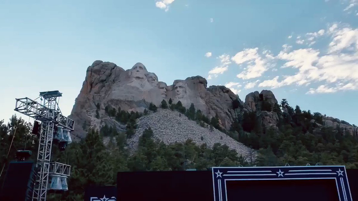 On the docket for Mount Rushmore tonight! 🇺🇸