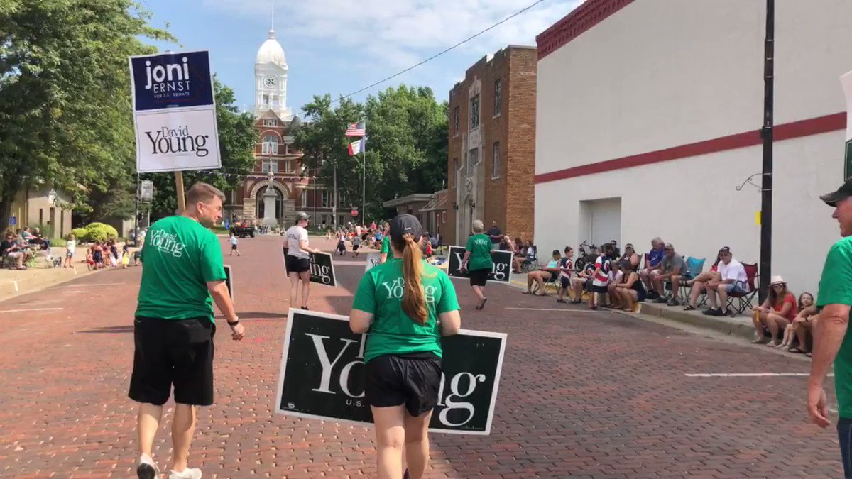 Starting the day in Bedford for their Independence Day Parade. This is always a great view coming up on the Taylor County courthouse! #IA03