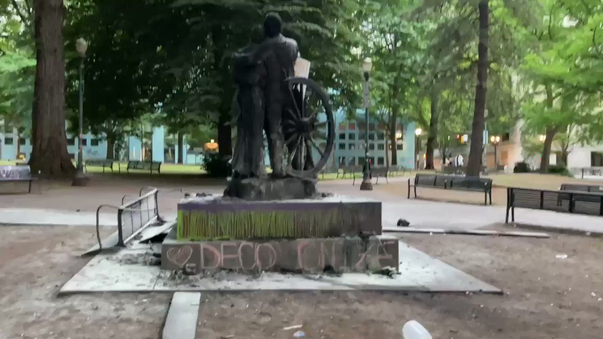 A bronze statue dedicated to the families who made the dangerous journey on the Oregon trial to settle in the Pacific Northwest has been the target of antifa & far-left extremists for weeks. Last night they set it on fire again & defaced it with messages about decolonization.