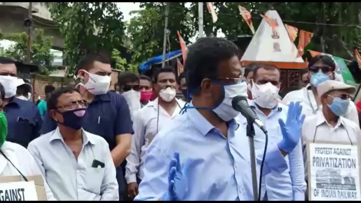 Protest meet against the privatization of @IRCTCofficial at Kidderpore Chakra Station  This move of privatization of Indian Railways will impose a huge burden at the time of economic hardship, affecting the common man who is already battling #COVIDー19 pandemic #IndianRailways
