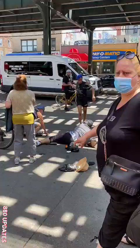 💥Cue Up The Riots💥  In De Blasio's liberal utopia, this black woman thinks she is entitled to this white woman's sneakers. America has, after all, oppressed this black woman for years and it will only be cured with a new pair of sneakers.  #MAGA2020