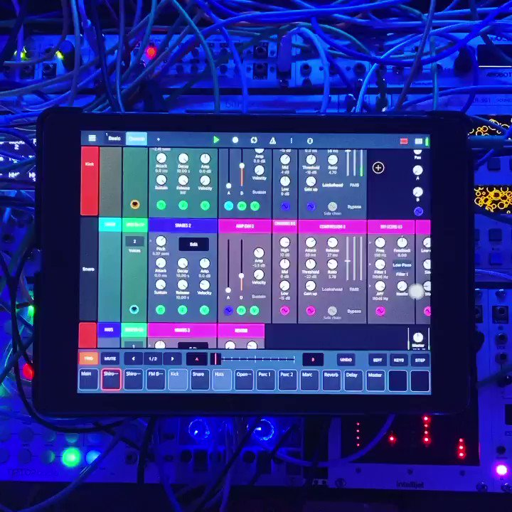 @BeepStreet Drambo modular groovebox and sound processing environment for iOS is pretty slick. https://t.co/SF85RcPfOv