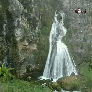 La naturaleza y su hermosura. La cascada de la novia en Perú.