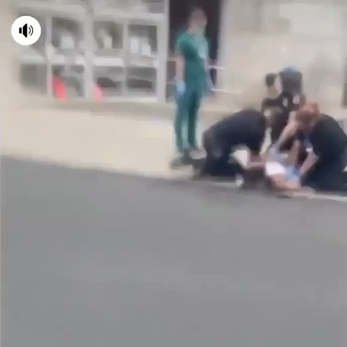 GRAPHIC VIDEO: @AllentownPolice held down this man's face to the pavement and then one of its officers placed their knee on his neck!! This happened yesterday and is exactly what led to #GeorgeFloyd's death. We need this officer's name and badge # NOW. #ICantBreathe