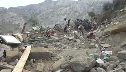 Another war crime, committed today by Saudi/UAE aggression war jets targeting a residential house in #Hajjah province, northern #Yemen, resulted in 12 victims, 10 of them died & 2 were injured, all victims were women & children. #YemenCantWait.  #BONHOMME