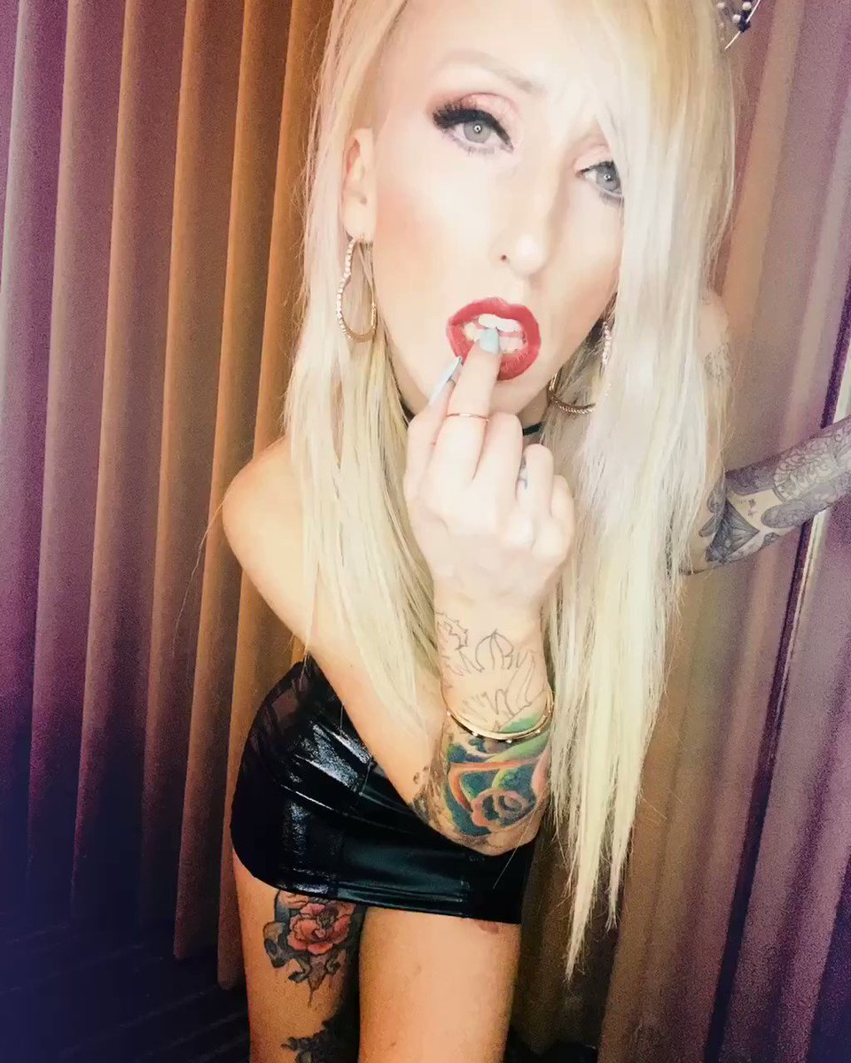 Want a taste ? You know you do  👄👅💋😗😉😍 #thrills #lasvegas #blonde #playmate #companion #tattoos #spinner #petite #escort   Available N ᴏ ᴡ!   Outcall Oɴʟʏ!  /// 702.608.4142 /// ʀᴛ 4 ʀᴛ