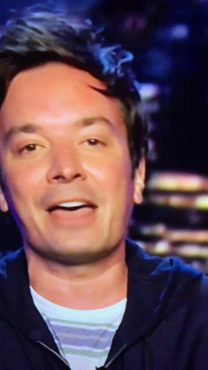 Wow @jimmyfallon looks so hot with new hairstyle as he is now back in the studio!  Doesn't he look well-rested!  #JimmyFallon #NBC #reality #afforci 👍🔥