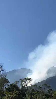 - C130 da @fab_oficial no combate ao fogo na Serra da Mantiqueira.  . Link no YouTube: