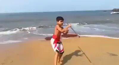 @SkyNews .@SkyNews look at this Indian 🇮🇳 kid doing the same 'lathi-kathi' 😀 🙏
