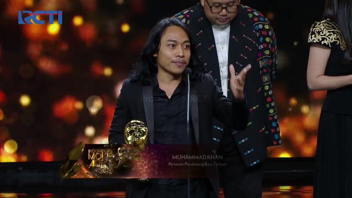 Promising Actor of Indonesia Muhammad Khan dedicates his yet another Best Debutant Award IMAA (Indonesia Movie Actors Award) 2020 to #Bollywood star Shahrukh Khan(@iamsrk ). Indonesia 💕Bollywood. #CulturalSutra  #SahabatIndiaIndonesia .