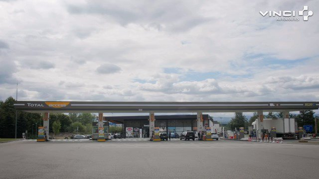 #TOTALAccess, qui propose la qualité des #carburants #TOTAL aux prix les plus bas, s'installe pour la 1ère fois en France sur autoroutes sur l'aire de Communay @A46Trafic. Grande 1ère qui s'inscrit dans le projet de modernisation des aires du réseau #VINCIAutoroutes. @TotalPress
