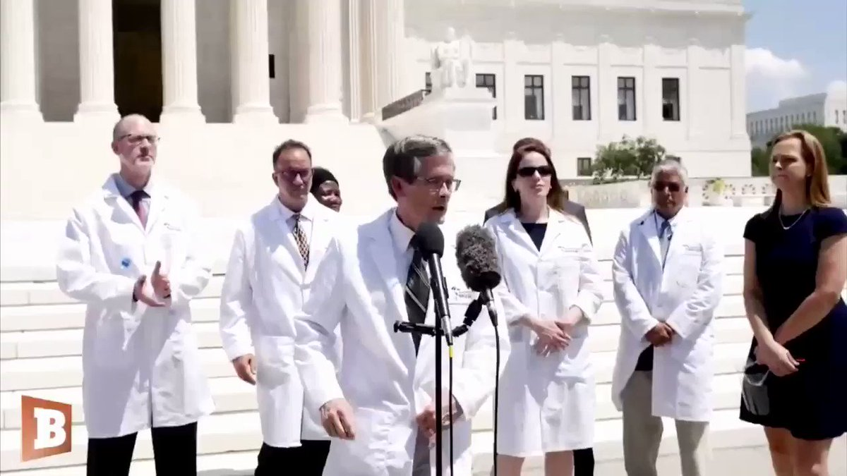 """Emotional Doctor says Americans must DEMAND Hydroxychloroquine. """"Write to your Congressmen & Governors... Tweet @realDonaldTrump... Save your life and many others. DO IT!"""" 🇺🇸"""