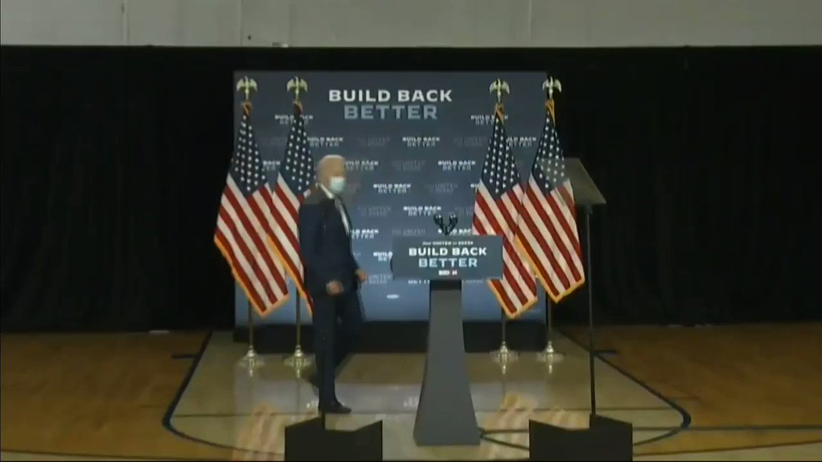 """THIS IS NOT A JOKING MATTER FOR JOE BIDEN.  """"Good afternoon everyone. Welcome to the Kingswood community center. Actually, that's the one down where I used to work. That's a joke. I didn't know where we were."""" -Joe Biden.  He has a long history of not knowing where he is.  Thread"""