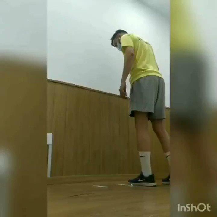 Side hop test: Es realitzen el màxim de salts laterals amb una cama ( 30 cm de separació) durant 30 segons i es compara amb l'altre cama. Ideal per testar genolls post  #lca o menisc  #knee #hop #hoptest #rodilla #genoll #menisco #ripollet https://t.co/kI6HrMxDcF