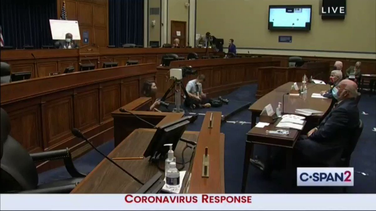 """""""Yes I do"""" -- Dr. Anthony Fauci says President Trump's response to the coronavirus saved lives"""