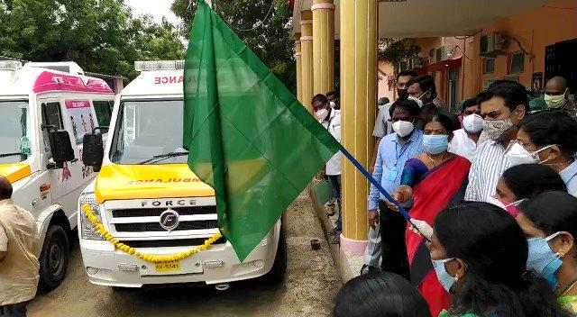 #RajannaSircilla పట్టణంలోని ప్రభుత్వ జిల్లా ఆసుపత్రిలో #COVID19  వార్డు తో పాటు కోవిడ్ అంబులెన్స్  లను ప్రారంభించిన రాష్ట్ర మంత్రి @KTRTRS  @MinisterKTR @Collector_RSL