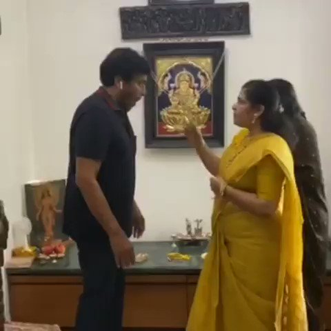 #MegastarChiranjeevi celebrates #RakshaBandhan along with his sisters at his home!  #Chiranjeevi #HappyRakshaBandhan #TeluguFilmNagar