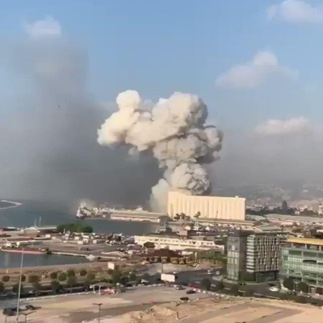 Escalofriantes las imágenes de la explosión en Beirut (Líbano). El puerto ha quedado arrasado.