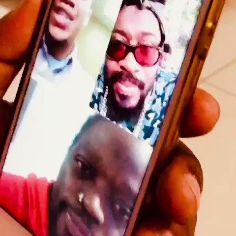The Father @kingbeenieman sends his Blessings to #zimbabweanlivesmatter hanzi rambai makadzvanya 🦶🏿and member it's no trend but ah movement 💪🏿
