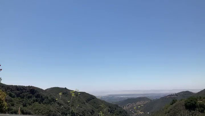 Happy Wednesday everyone 🙌🏽📷🌎😊 #daisyandradephotography #city #shadows #photographylife #travelphotography #colorful #California #outdooradventure #trendy #abc7eyewitness #abc7community #vistala #naturephotography #photographyeveryday #newsphotographer #travel
