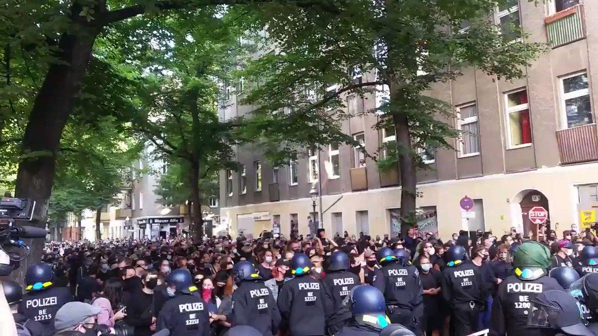 #b0708 #Syndikat #SyndikatBleibt #Neukölln via @ndaktuell