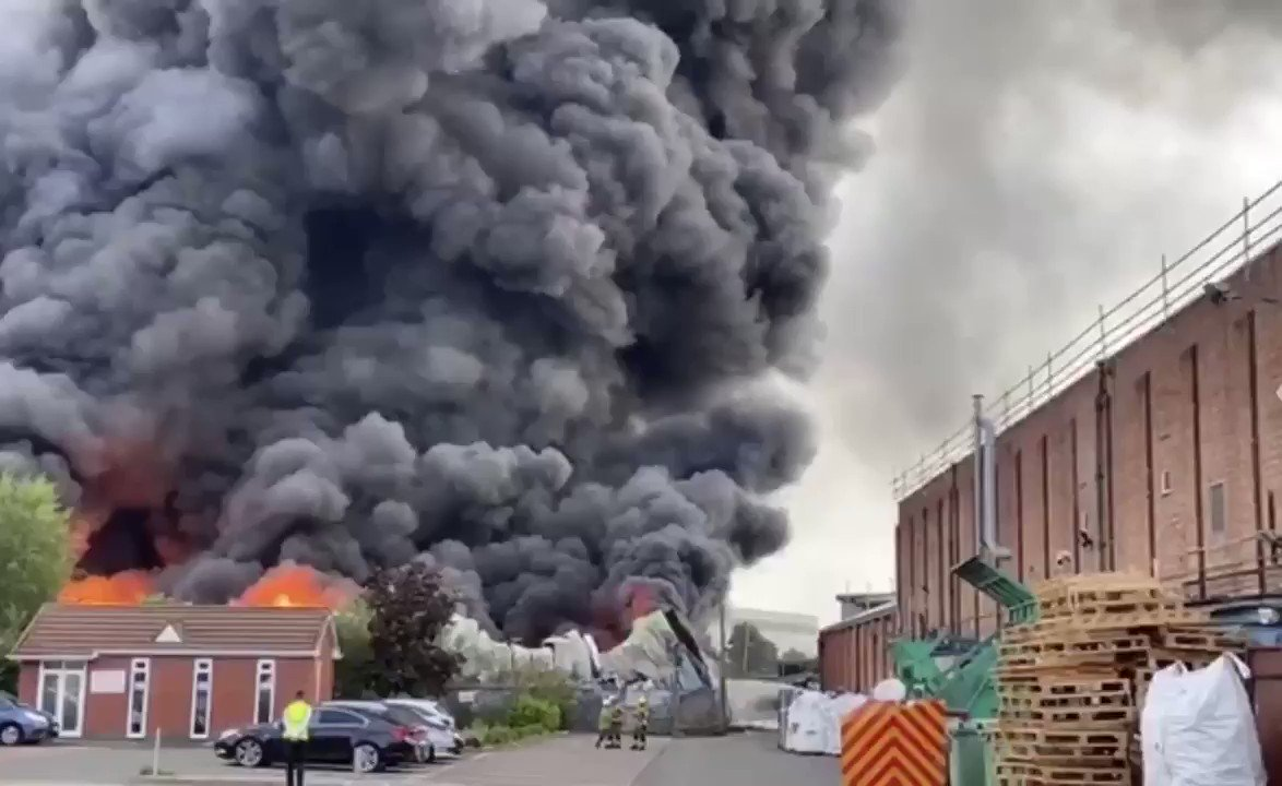 #BREAKING [🇬🇧 #UK] A massive fire has been broken out in #Birmingham.
