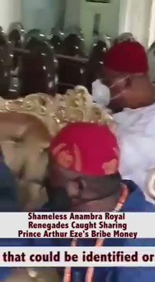 Caught on Camera. Most king in Anambra State Biafra Land, were caught receiving bribe from Arthur Eze's house. This is why they turn blind eyes & sell off our people. Pls Watch. @biafra_tv @radiobiafralive @MaziNnamdiKanu @StateDept  Liberate the people now. #SupportBiafraExit