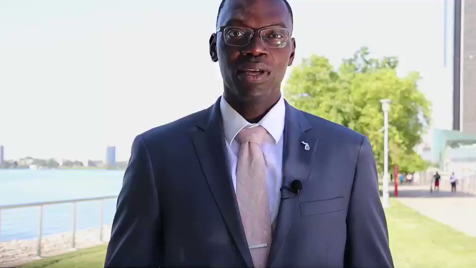 .@LtGovGilchrist is standing tall for #Michigan's water resources during Great Lakes and Fresh Water Week. What's your pledge? #MiGreatLakesWeek