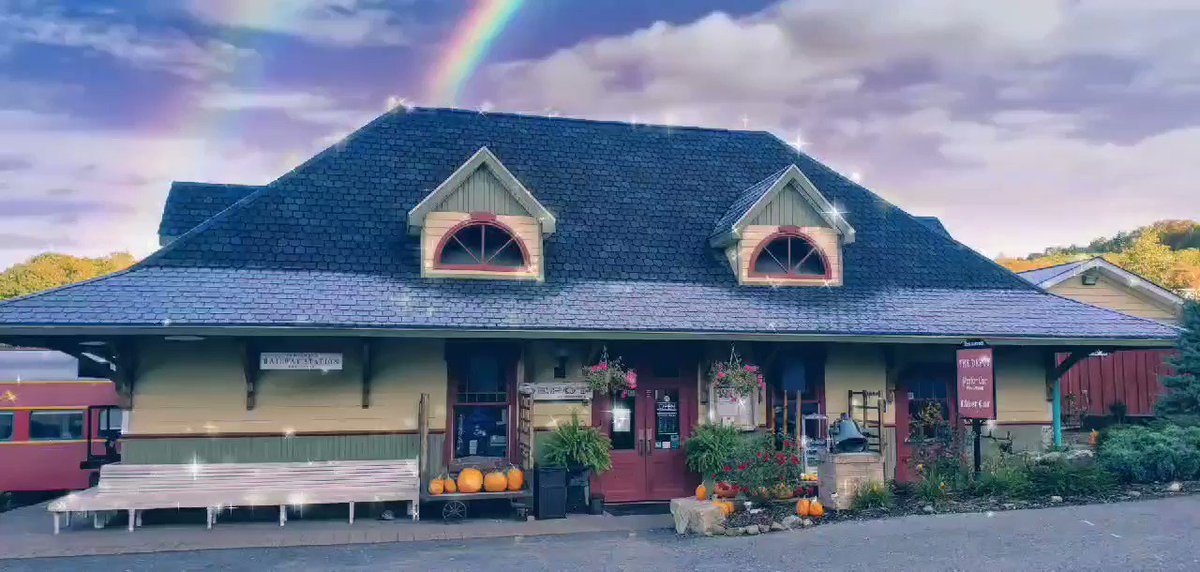 Of course there's magic at Depot at Doolittles!   But you'll find dinosaurs 🦕 and trains, not rainbows and unicorns!  #midatlanticdaytripsblog #visitclearfieldcounty #ClearfieldCoAdventures #socialmediatakeover #depotatdoolittles @daytripgal