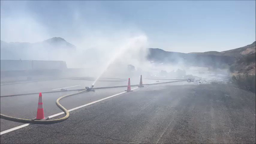 VIDEO: Another view of efforts to put out a vehicle fire on SR 87 NB at milepost 223. #aztraffic