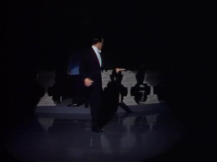 "Gene Kelly dancing to ""Do I Love You?"" in DU BARRY WAS A LADY (1943) dir. Roy Del Ruth https://t.co/L0rbfJ8d88"