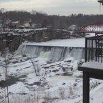 Frozen Falls. Nice work on Twitter's video UI @Stammy http://t.co/yQwim1LRZt
